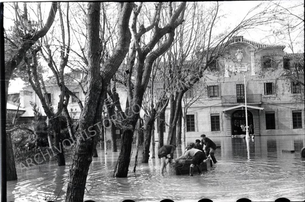 Inundación en la Fábrica de Armas (1947)